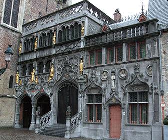 Basilica_of_the_Holy_Blood_-_Saint-Baselius_Chapel_Bruges_Belgium