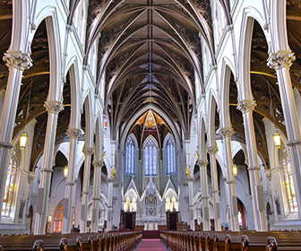 Cathedral-of-the-Holy-Cross-en-Boston