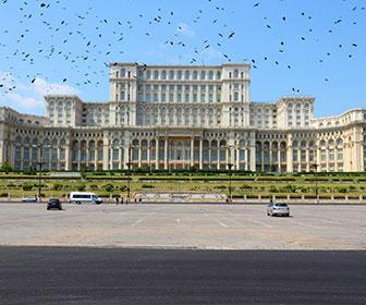 El-Palacio-del-Parlamento-Rumano