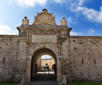 Fortaleza-de-la-Mola
