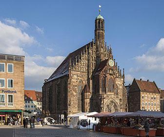 Frauenkirche-Iglesia-Nuremberg