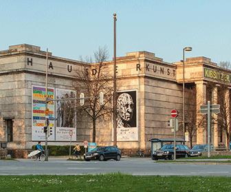 Haus_der_Kunst_-_Munich_-_2013
