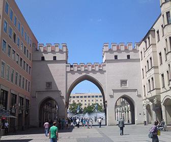 Munich_Karlstor_-_panoramio