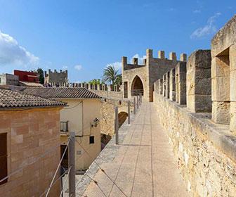 Murallas-de-Alcudia-em-Mallorca