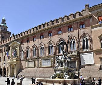Palazzo-d'Accursio-o-comunale-Bolonia