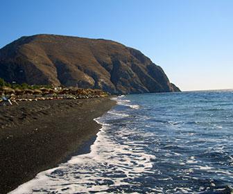 Perissa-playa-santorini