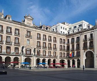 Plaza-Porticada