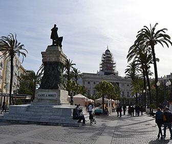 Plaza-San-Juan-de-Dios-en-Cadiz