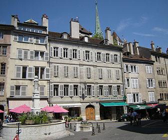 Plaza-de-Bourg-de-four-en-Ginebra