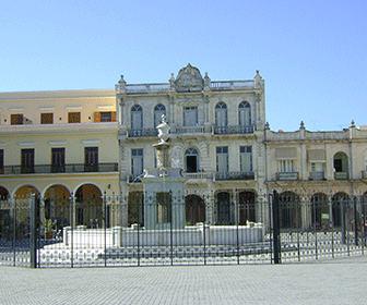 Plaza_Vieja_de_La_Habana_Cuba