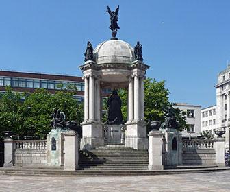 Queen-Victoria-Monument-en-Liverpool
