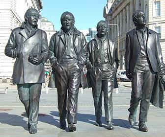 The-Beatles-Statue-en-Liverpool