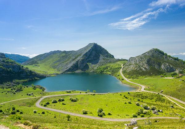 Σε πόσες μέρες βλέπει ο Αστούριας? Συνιστώμενη διαδρομή Routes μέσω Asturias