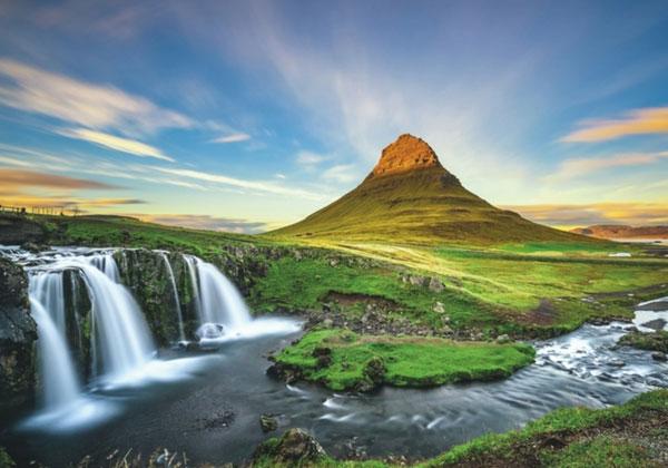 Πόσες μέρες φαίνεται η Ισλανδία?