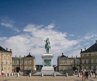 palacio-de-amalienborg-copenhague